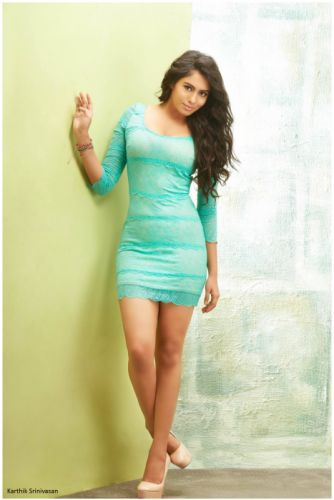 Actress-Deepa-Sannidhi-Latest-Stills-4 wallpaper