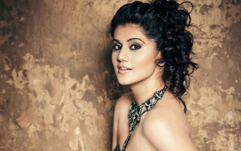 women-taapsee-pannu-actresses-india-indian-brunette-woman-bollywood-actress-wallpaper-background-eng-1429349741 wallpaper