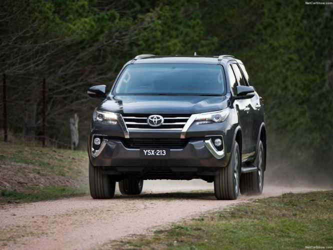 Toyota Fortuner cars suv 4x4 2016 wallpaper