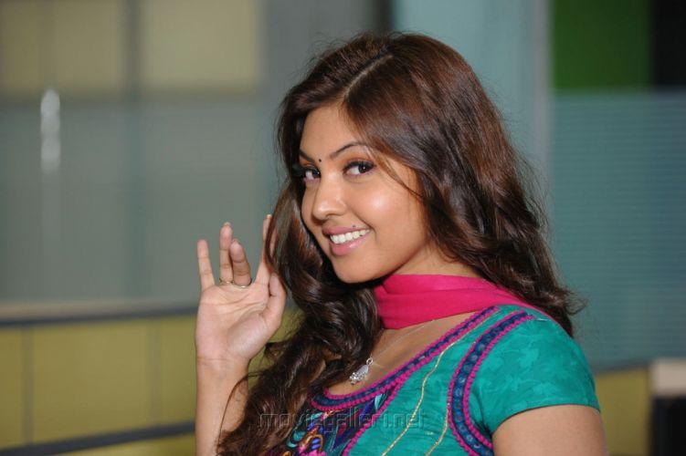 actress komal jha cute images green salwar billa ranga movie 7db6ef6 wallpaper