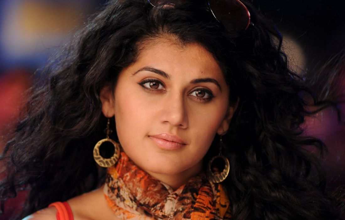 Taapsee-Photo-Gallery-10 wallpaper
