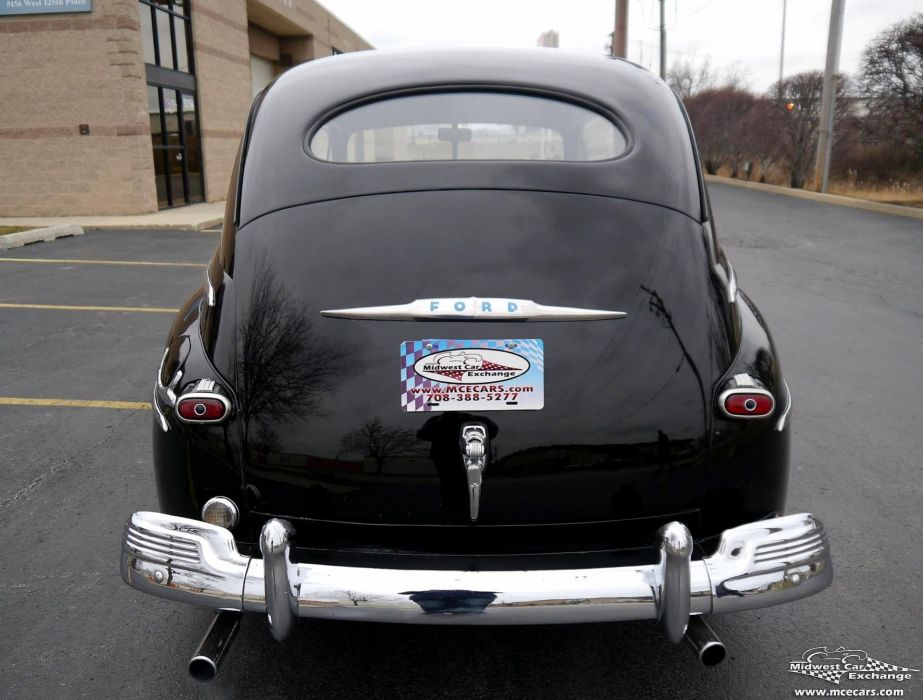 1948 Ford Super Deluxe Sedan Two Door Classic Old Vintage Original USA -18 wallpaper