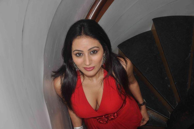 thirak-movie-actress-hot-photoshoot-at-music-launch-15 wallpaper