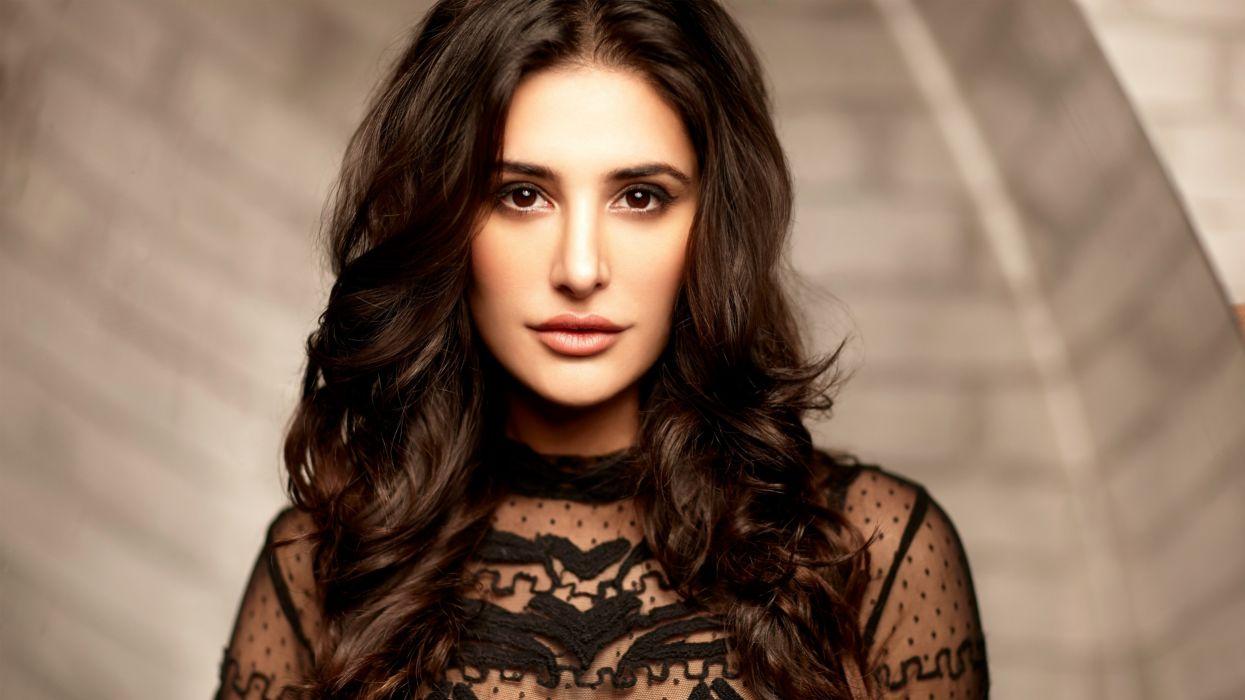 actress nargis fakhri-3840x2160 wallpaper
