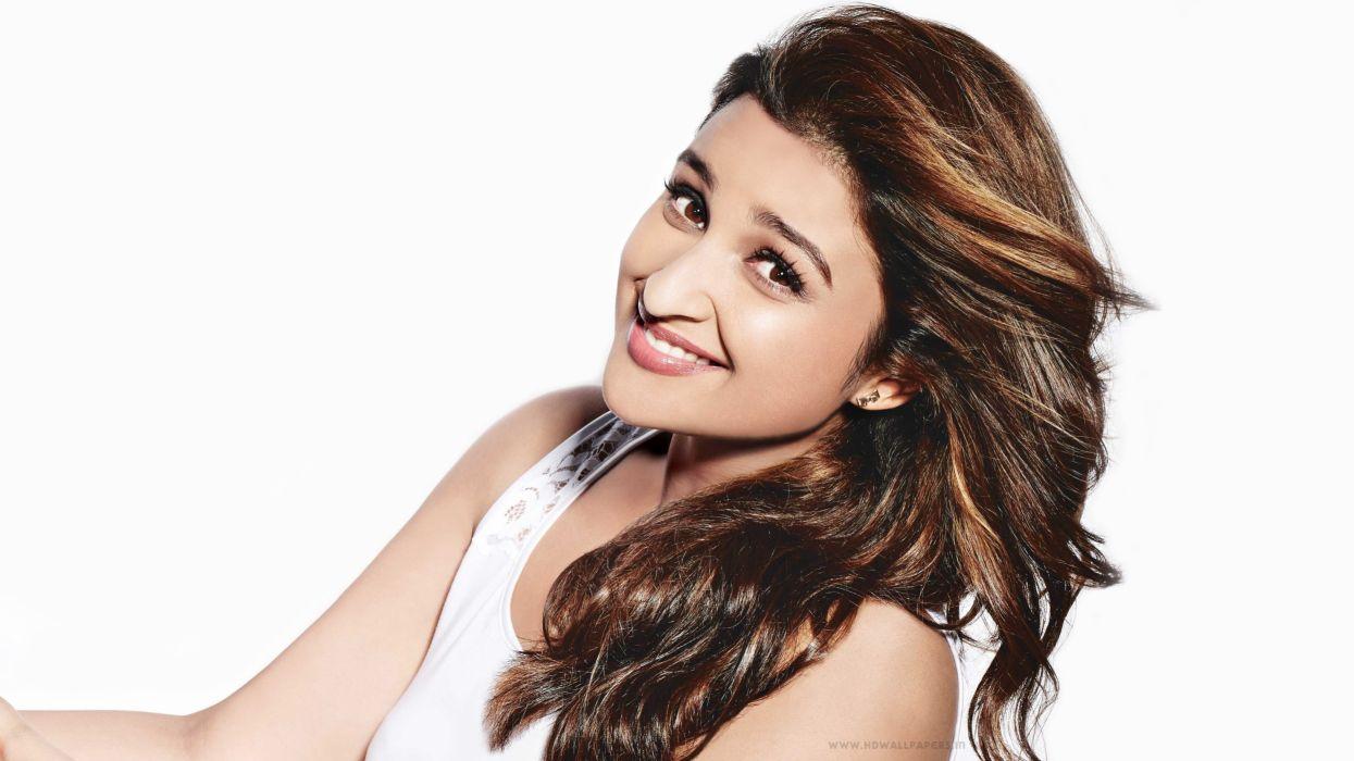 parineeti-chopra-indian-actress-bollywood-smiling-white-background-4k-wallpaper-3840x2160 wallpaper
