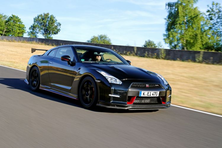 Nissan GT-R (R35) coupe cars 2014 wallpaper