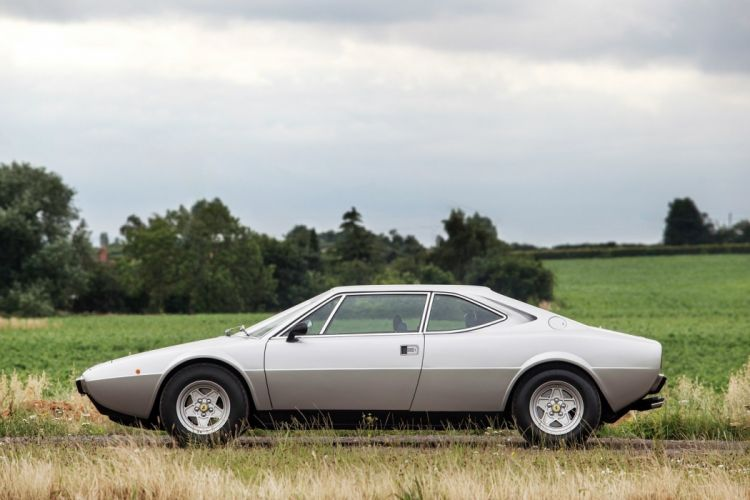 Ferrari Dino 308 GT4 UK-spec cars 1976 wallpaper