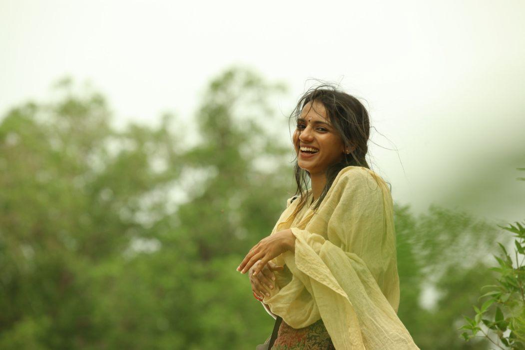 Nerungi-vaa-muthamidathe-Movie-Stills-2 wallpaper