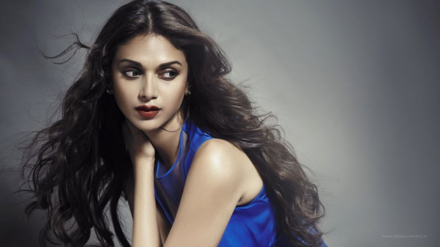 aditi rao hydari bollywood actress-3840x2160 wallpaper