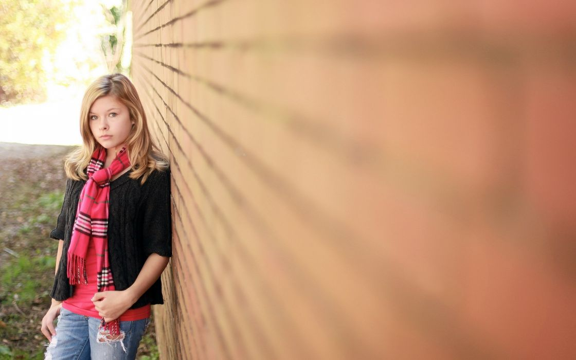 Photography blond wall view photo shoot wallpaper