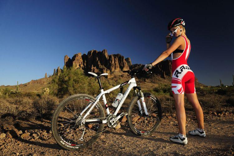 Sports girl bike mountain wallpaper
