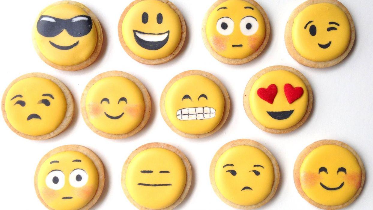 DESSERT sweets sugar meal food smiley mood wallpaper