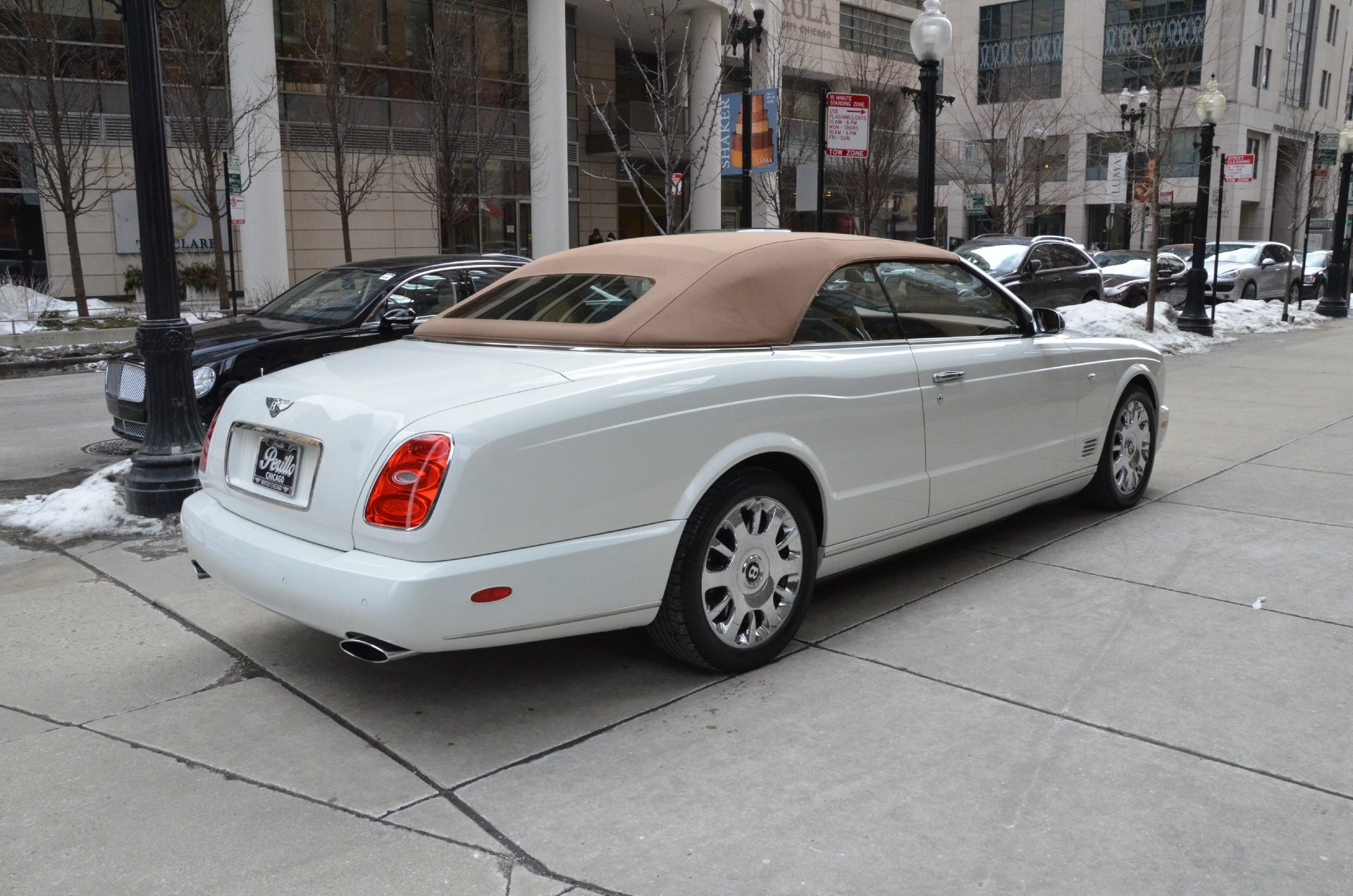 2008 Bentley Azure Specs, Safety Rating & MPG - CarsDirect