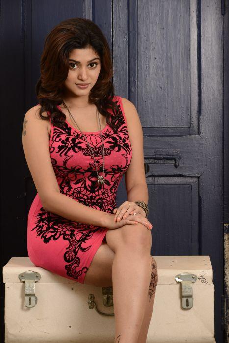 Actress-Oviya-Photoshoot-7 wallpaper