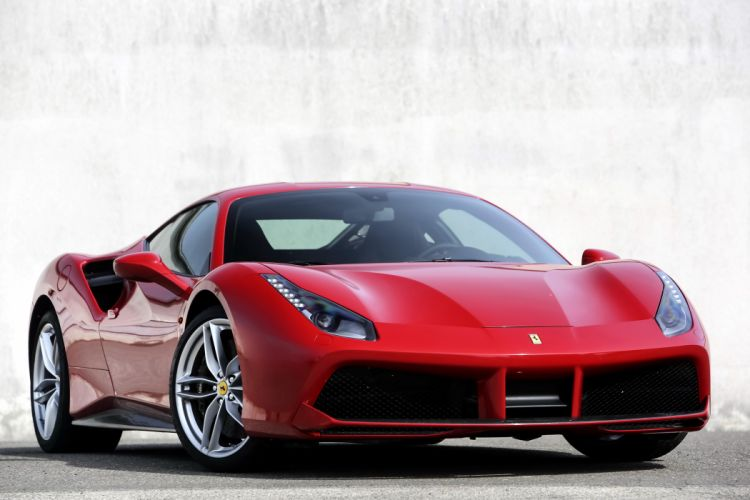 2015 Ferrari 488 GTB supercar wallpaper