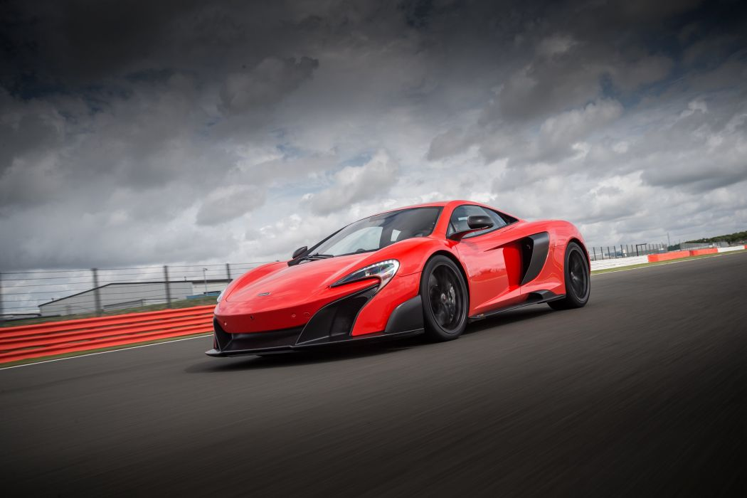 2016 McLaren 675LT US-spec supercar wallpaper