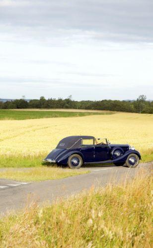 1939 Rolls-Royce Phantom III retro vintage luxury wallpaper