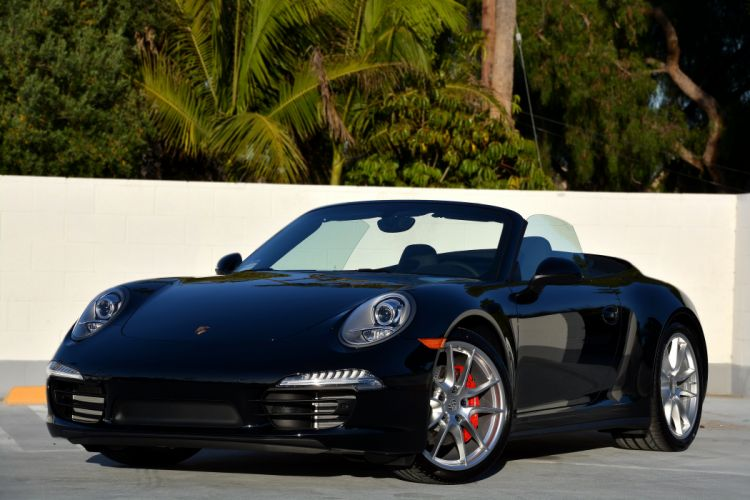 2012 Porsche 911 Carrera 4-S Cabriolet US-spec 991 wallpaper