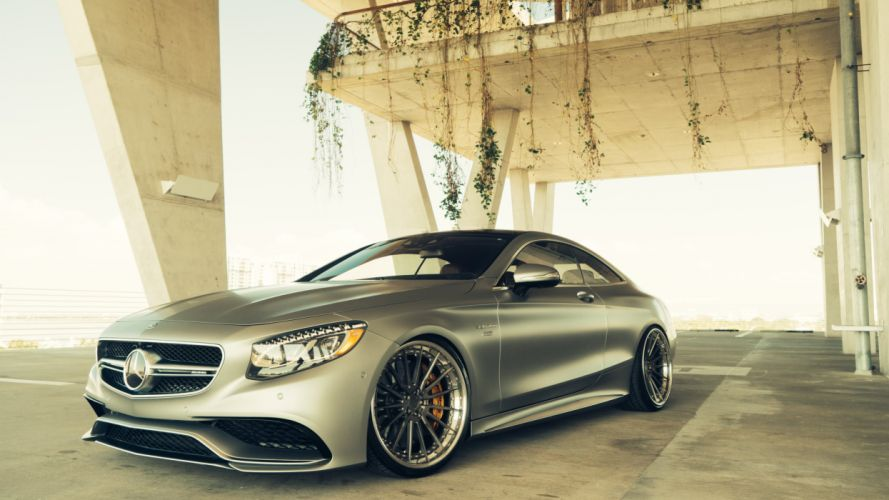 Mercedes S63 Coupe AMG wallpaper