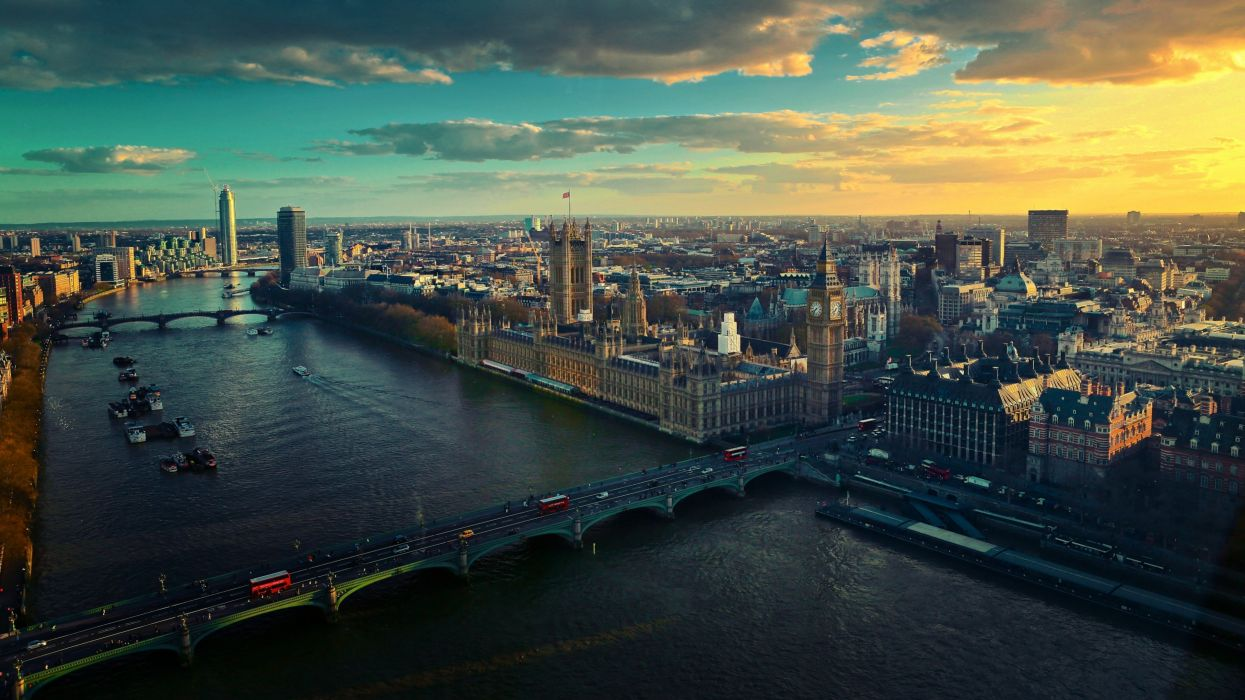 Urban view from London wallpaper