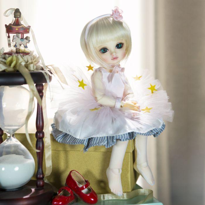 doll girl short hair beauty toys baby blonde cute wallpaper