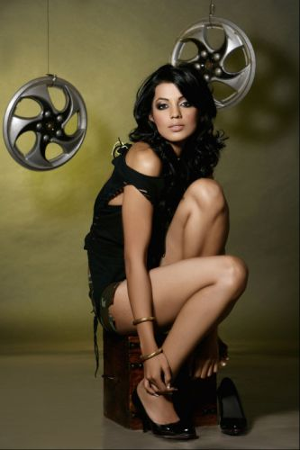 actress-mugdha-godse-hot-photoshoot-stills-14 wallpaper