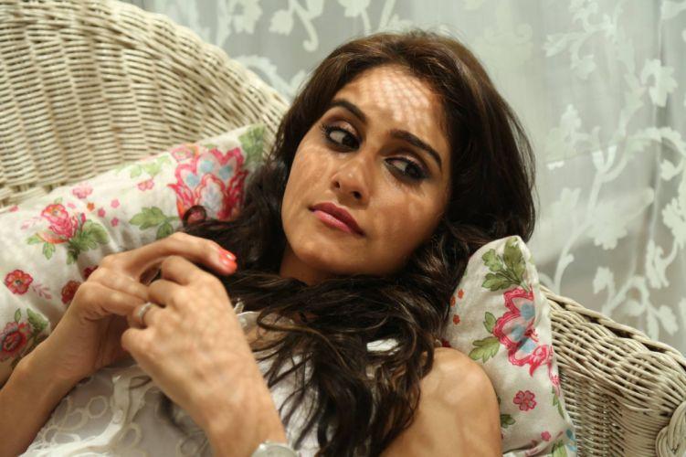 Regina-Cassandra-Rajathandhiram-Tamil-Movie-Stills-04 wallpaper