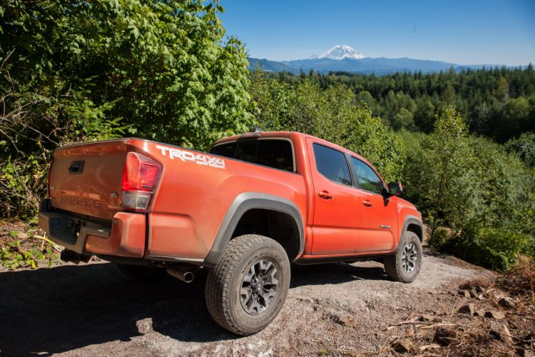 2016 Toyota Tacoma TRD OffRoad Double Cab pickup 4x4 wallpaper
