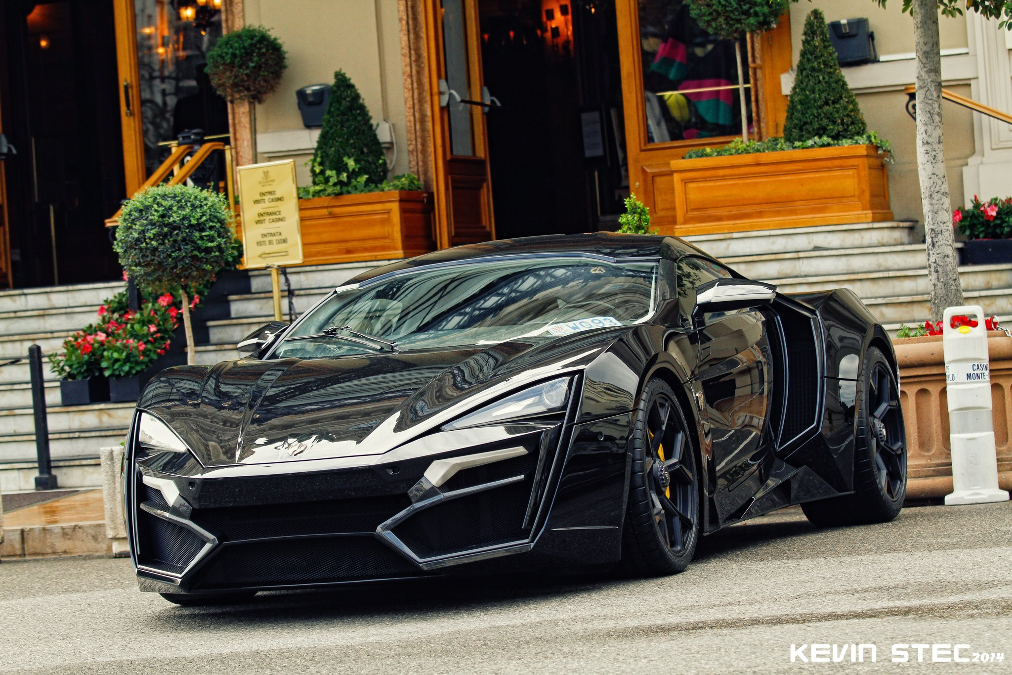 34m Lykan Hypersport on the road!  Sound!