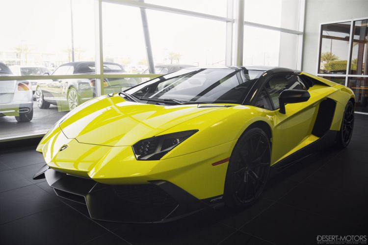 2013 Lamborghini Aventador LP720-4 supercar wallpaper
