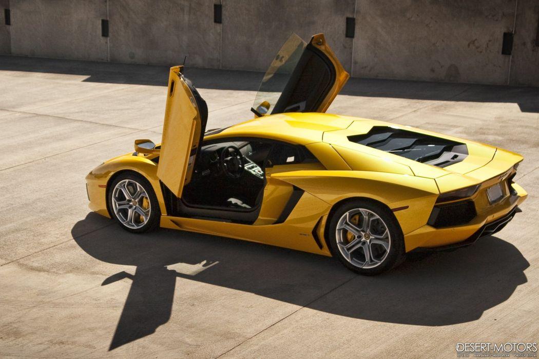 2012 Lamborghini Aventador LP700-4 Coupe supercar wallpaper