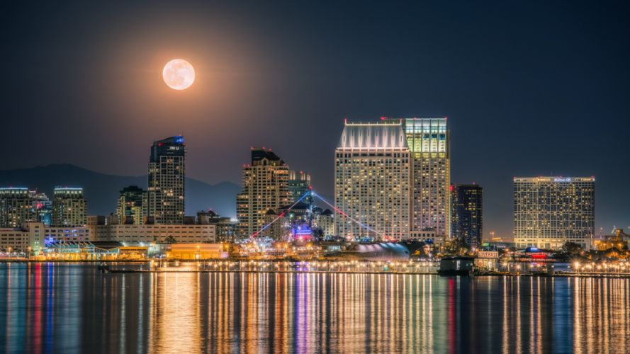 Full Moon above Marina Bay wallpaper