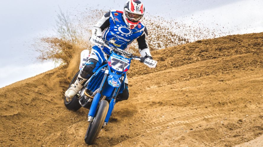 Dirt Moto Race wallpaper