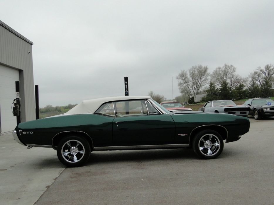 1968 pontiac GTO Convertible cars wallpaper