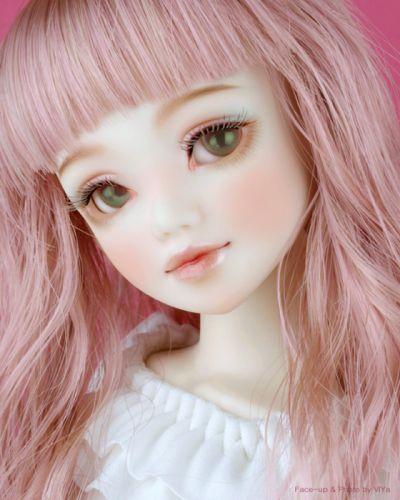 Cute Doll Live Wallpaper: Doll Toys Long Hair Girl Beauty Dress Pink Cute Green Eyes