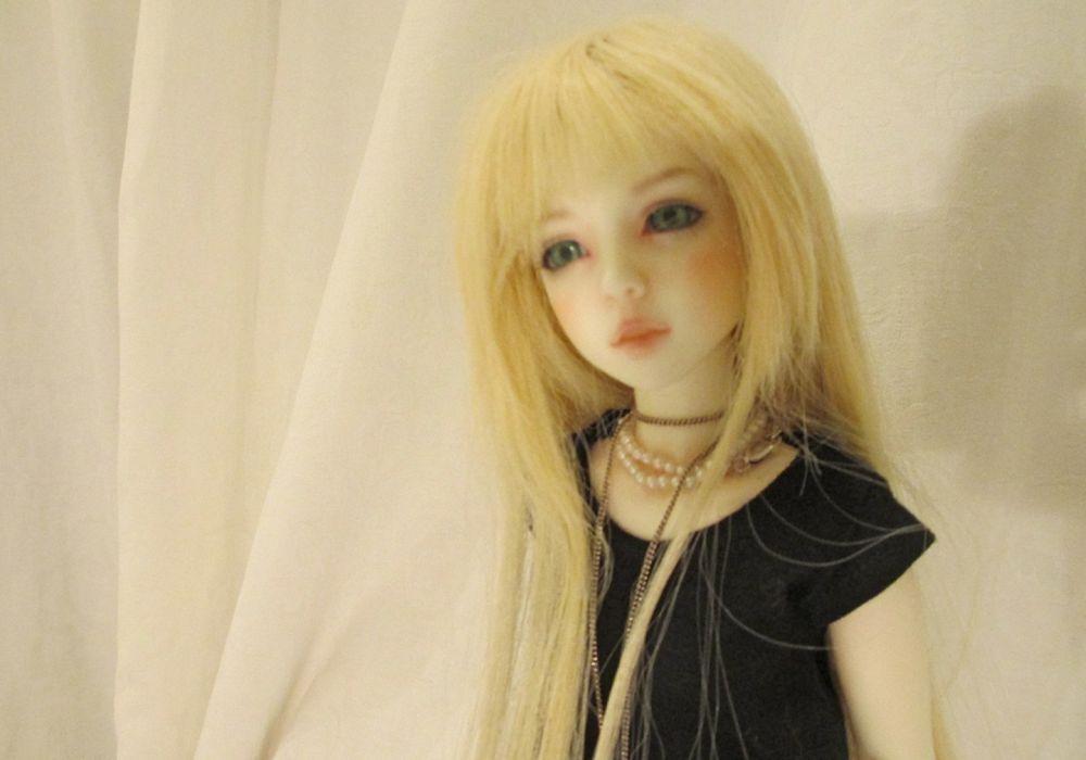 doll toys long hair girl beauty dress cute green blonde eyes wallpaper