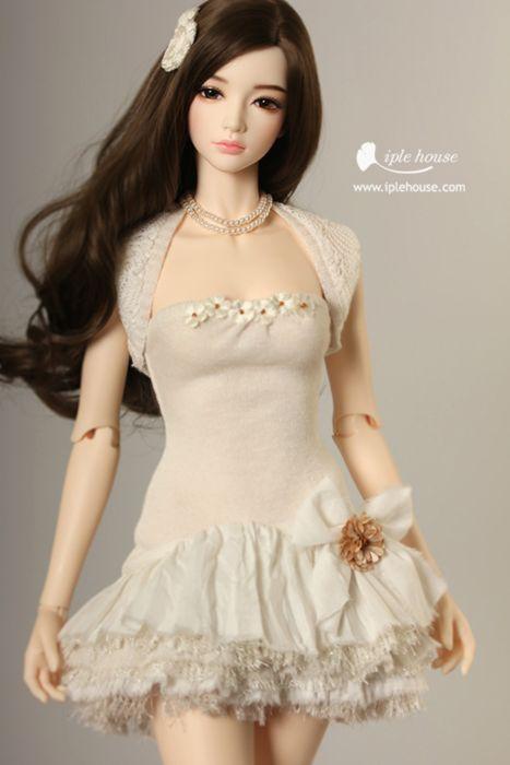 doll toys long hair girl beauty dress cute brown eyes wallpaper