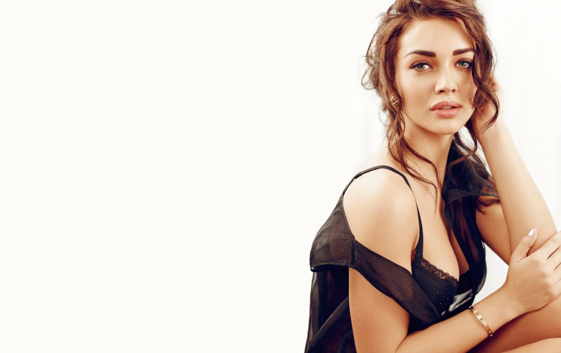 Amy Jackson actress model girl beautiful brunette pretty cute beauty sexy pose face eyes hair lips figure wallpaper