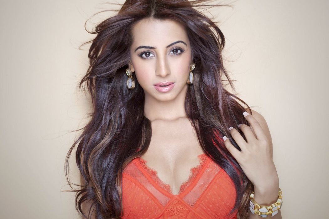 sanjjanaa galrani actress model girl beautiful brunette pretty cute beauty sexy hot pose face eyes hair lips smile figure indian  wallpaper