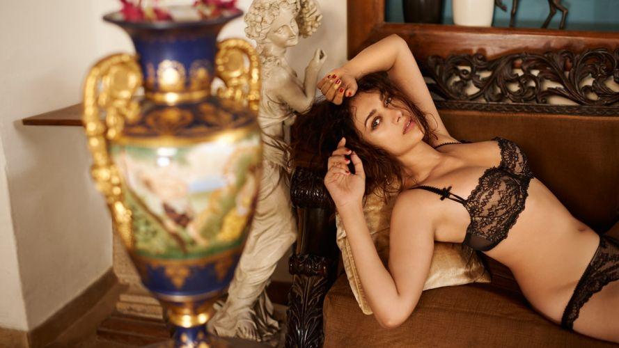 aditi rao hydari actress model girl beautiful brunette pretty cute beauty sexy hot pose face eyes hair lips smile figure indian wallpaper