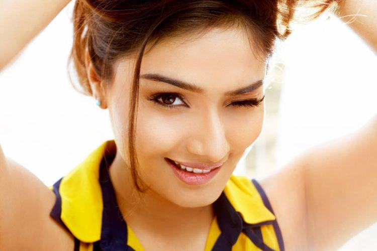 aishwarya devan actress model girl beautiful brunette pretty cute beauty sexy hot pose face eyes hair lips smile figure indian wallpaper