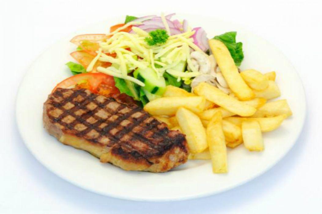 plato combinado patatas carne verduras wallpaper