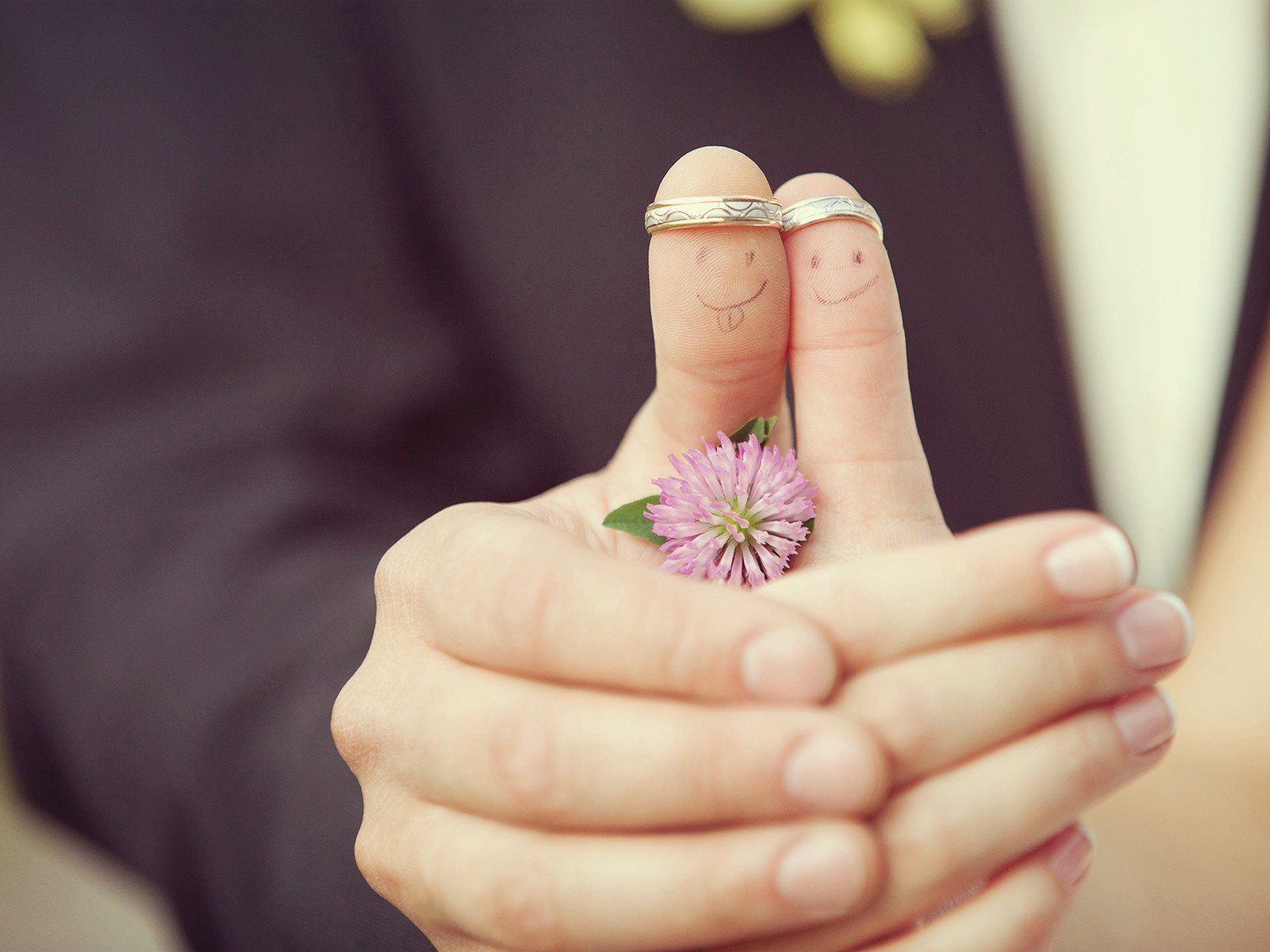cute finger funny cute love couple wallpaper | 1600x1200 | 801159