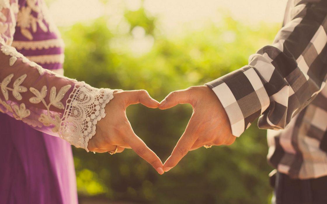 love heart couple hands male female wallpaper