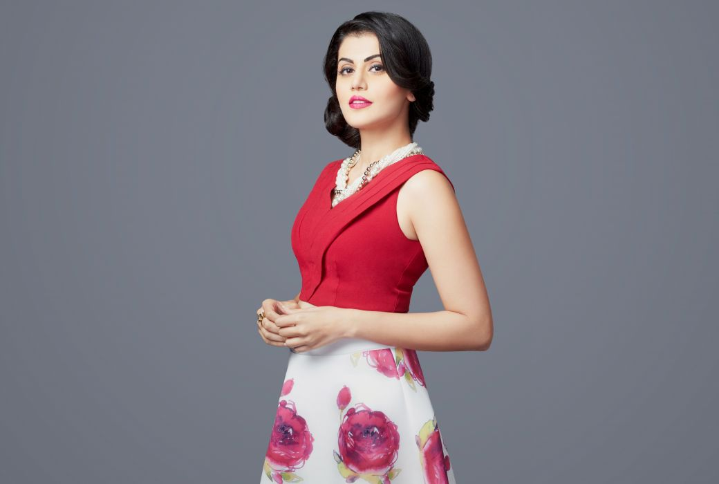 taapasee pannu tapsee bollywood actress model girl beautiful brunette pretty cute beauty sexy hot pose face eyes hair lips smile figure indian  wallpaper