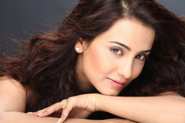 tia bajpai bollywood actress model girl beautiful brunette pretty cute beauty sexy hot pose face eyes hair lips smile figure indian wallpaper
