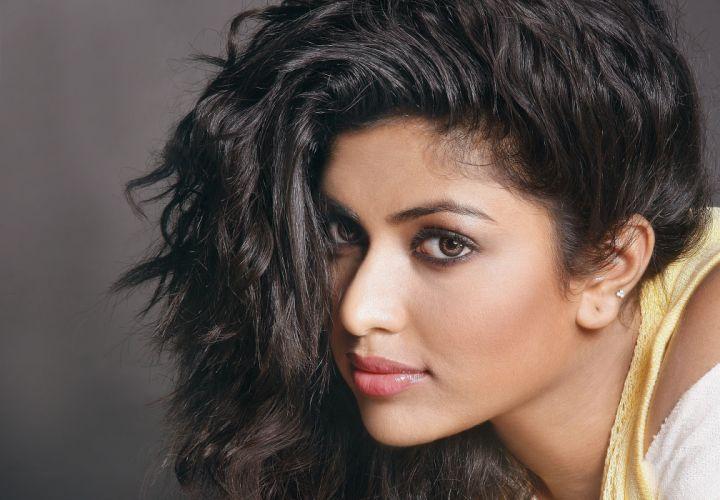 amala paul bollywood actress model girl beautiful brunette pretty cute beauty sexy hot pose face eyes hair lips smile figure indian wallpaper