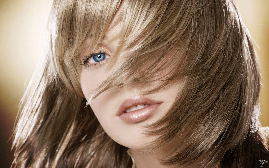 model girl beautiful brunette pretty cute beauty sexy pose face eyes hair lips figure wallpaper