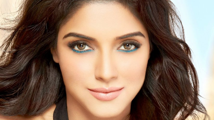 asin bollywood actress model girl beautiful brunette pretty cute beauty sexy hot pose face eyes hair lips smile figure indian wallpaper