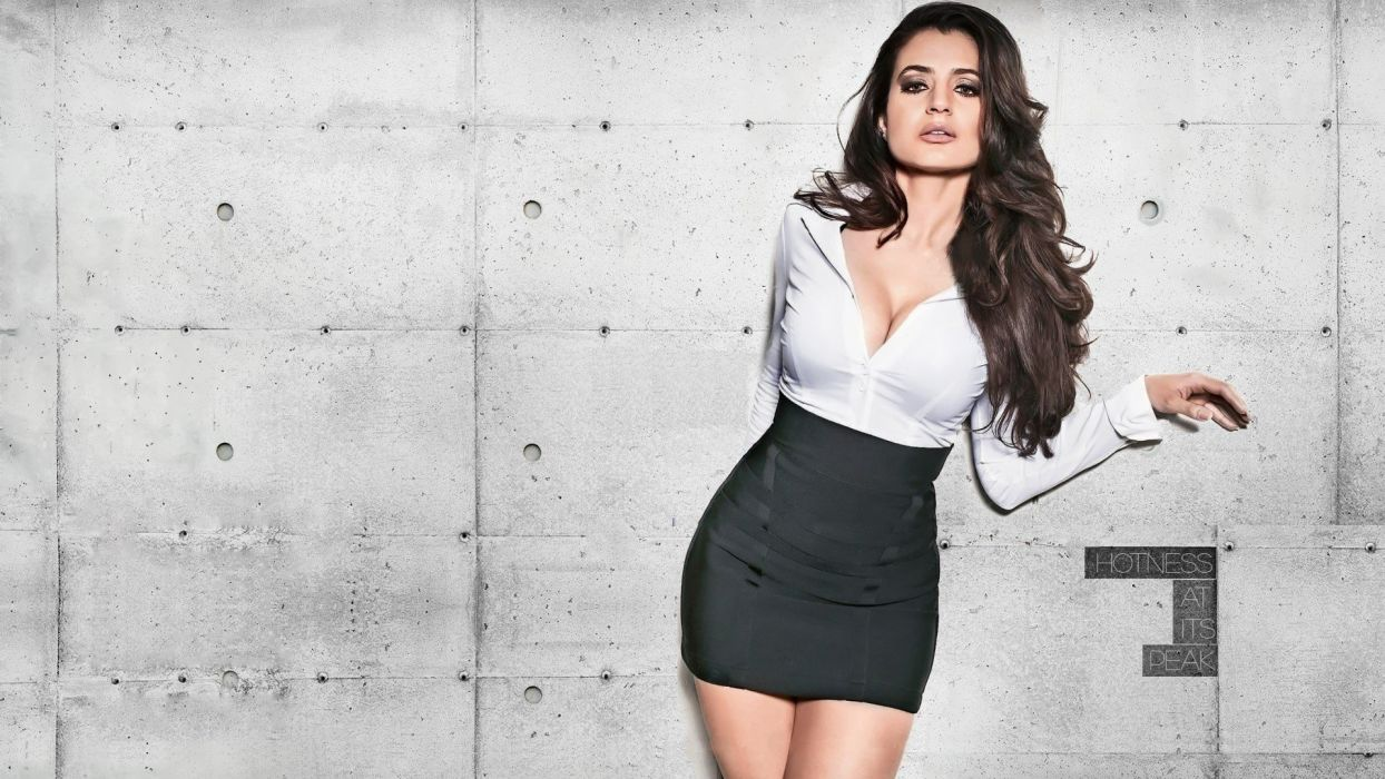amisha patel bollywood actress model girl beautiful brunette pretty cute beauty sexy hot pose face eyes hair lips smile figure indian  wallpaper